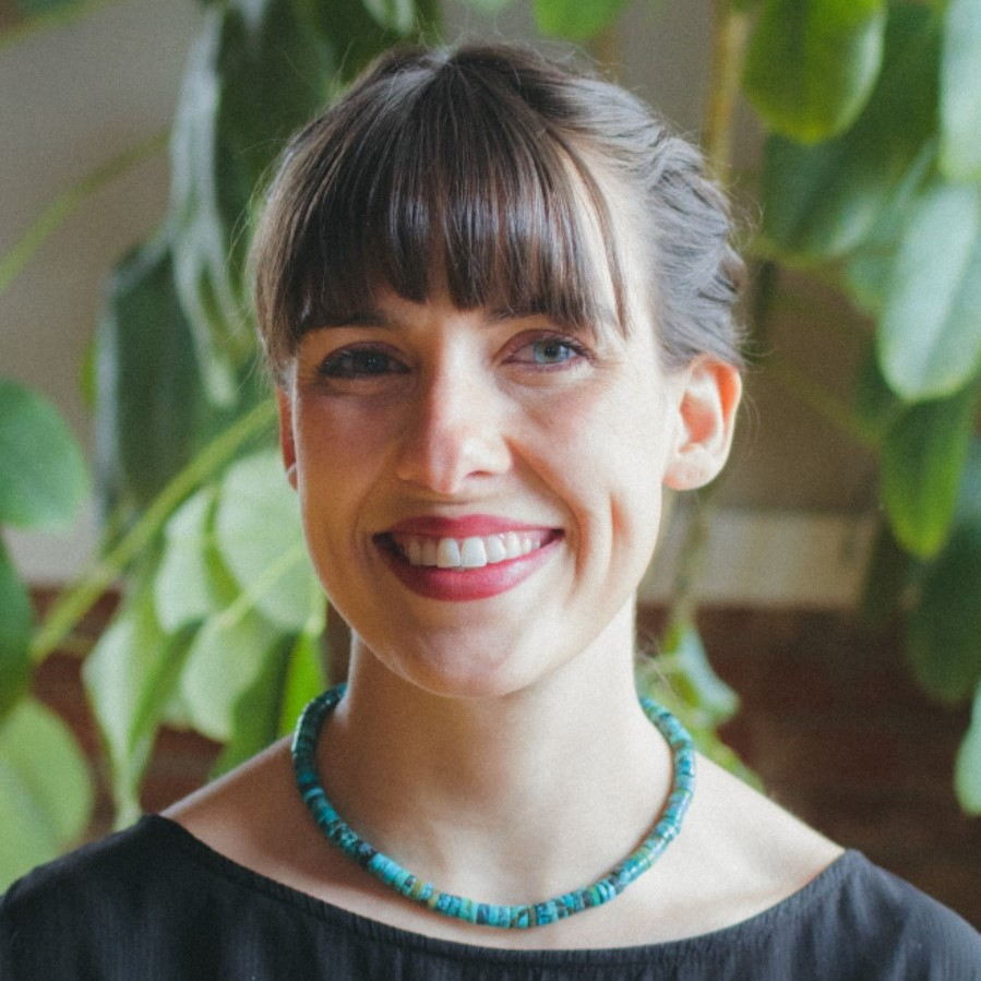 Anna Eckert Professional Headshot