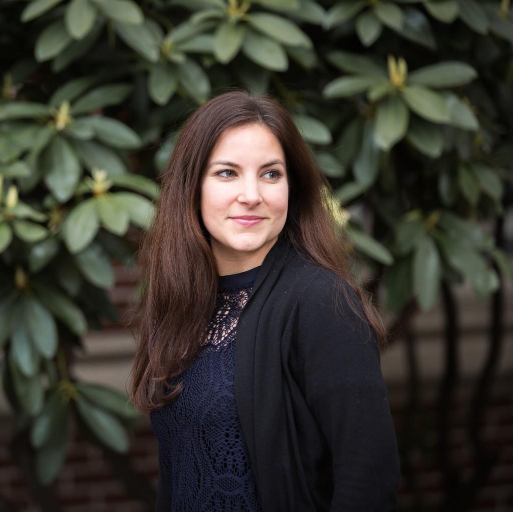 Elizabeth Heredia Professional Headshot