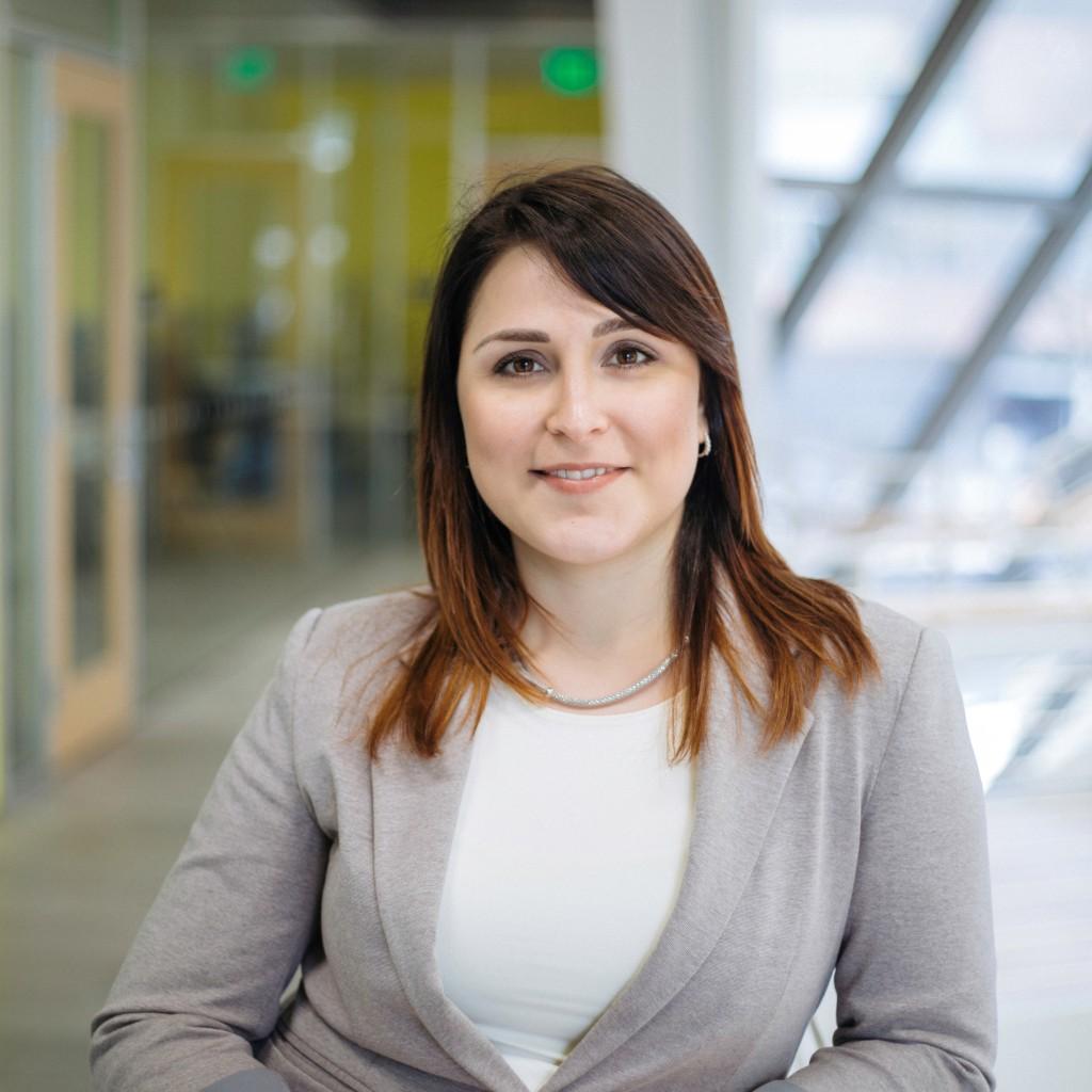 Kate Poppel Professional Headshot